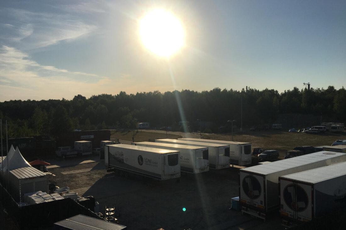 Lager mit Kühltrailern Festival Logistik